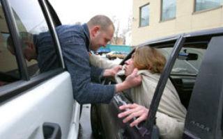 Как правильно держать руль при вождении? несколько советов от инструкторов автошколы