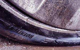 Что делать, если спускает бескамерное колесо по диску? список нужных действий