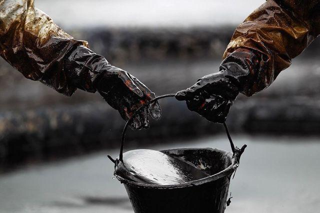 Куда деть отработанное моторное масло? Приоритетный вопрос начинающих водителей