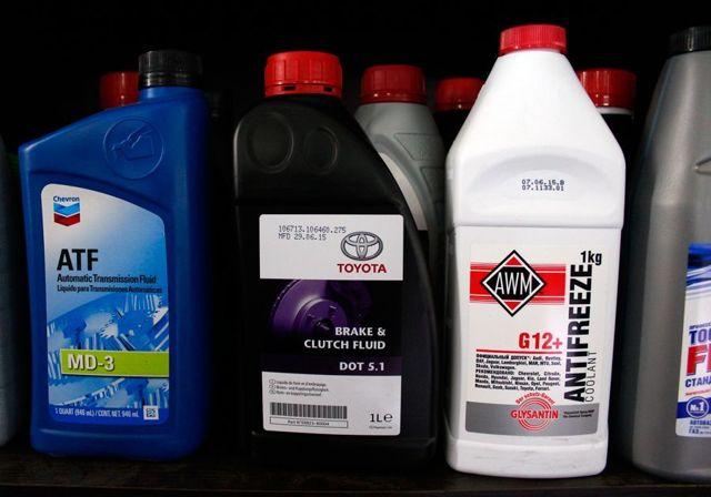 Можно ли смешивать тормозную жидкость? Отвечаем на вопрос