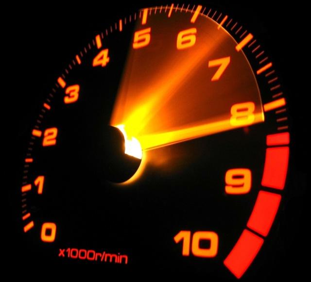 На каких оборотах лучше ездить? Сохраняем ресурс двигателя