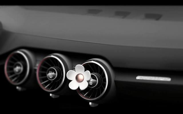 Что делать с запахом горелого масла в салоне автомобиля? Ищем причину