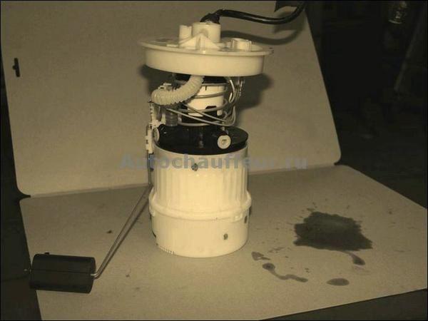 Замена топливного фильтра на mazda 3. Последовательность шагов
