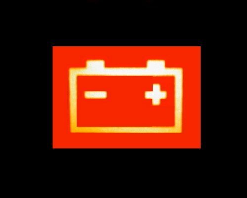 Почему не горит лампочка аккумулятора при включении зажигания? Список банальных проблем