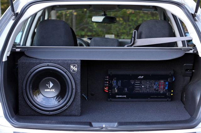 Установи активный автомобильный сабвуфер под сиденье. Ниже таз - громче бас