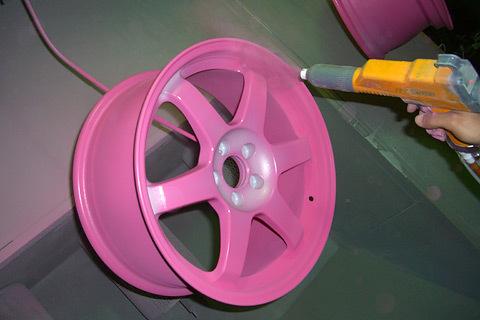 Самостоятельная покраска дисков жидкой резиной. Делаем это правильно с первого раза