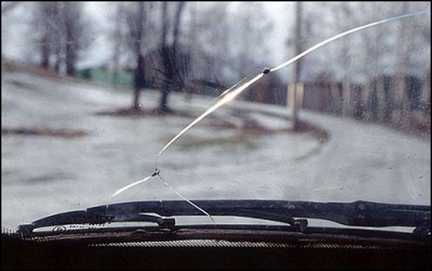 Что делать, если треснуло лобовое стекло? Без паники. Все решаемо