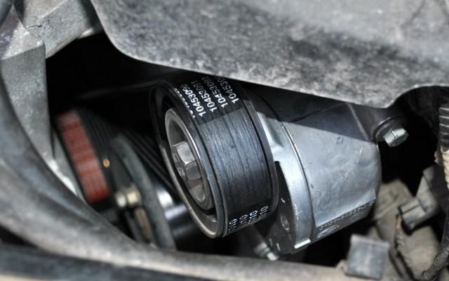 Стоит ли покупать ford focus? Кусачий американец в трех версиях. Обзор машины