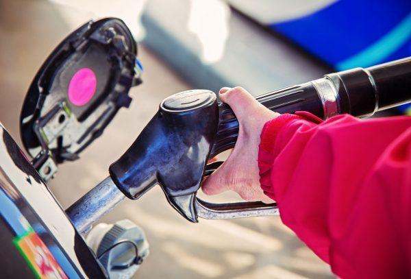Что делать, если в салоне запахло бензином? Ох уж эти проблемы