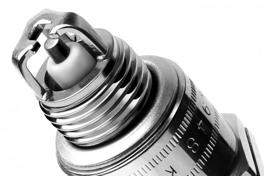 Как менять свечи зажигания? Делаем замену правильно. Избегаем популярных ошибок