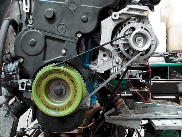 Замена ремня генератора на гранте. Машина новая, проблемы старые