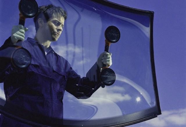 Что делать, если протекает лобовое стекло? Простые способы устранения проблемы