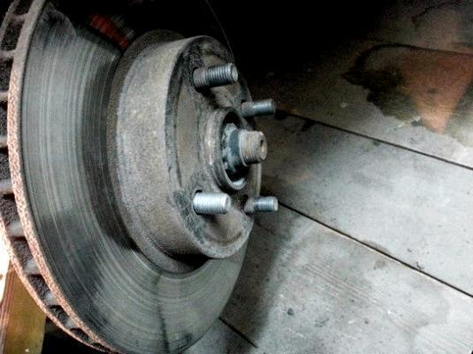 Замена шпильки переднего колеса на toyota. Подробная инструкция