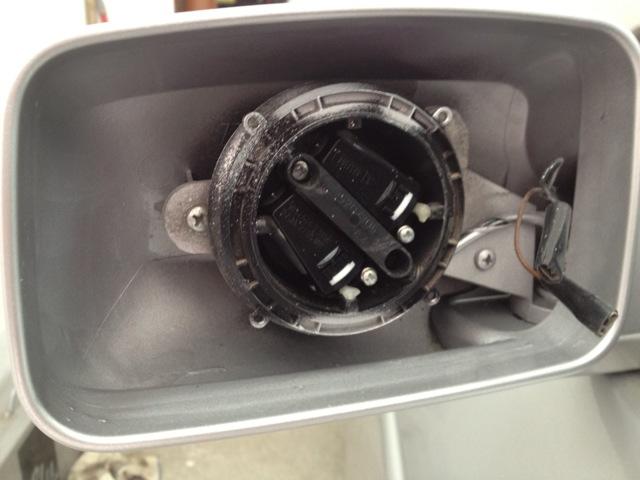 Замена стекла бокового зеркала на примере приоры, 2110, ford focus и honda fit