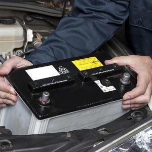 Причины, почему разряжается аккумулятор на автомобиле. Разбираемся и исправляем