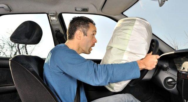 Как снять подушку безопасности с руля? Это можно, но зачем?