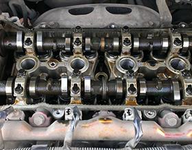 Нужно ли промывать двигатель при замене масла? Мнение автомехаников