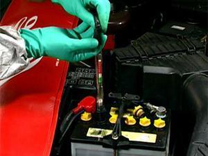 Как заменить электролит в аккумуляторе? Тонкости ремонта