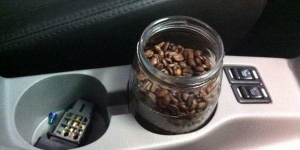 Как избавиться от запаха сигарет в машине? Список рабочих способов
