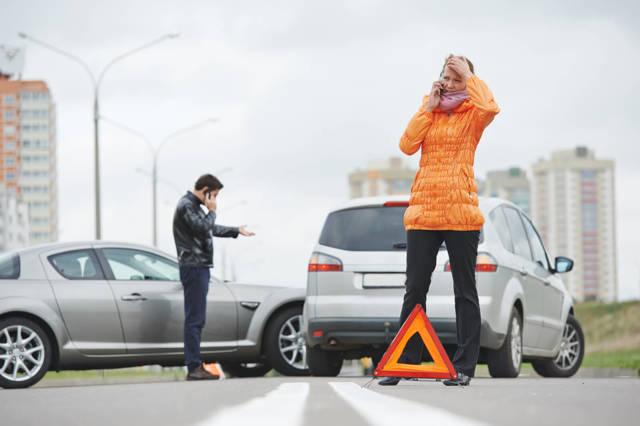 Как застраховать автомобиль через интернет? Хватит стоять в очередях