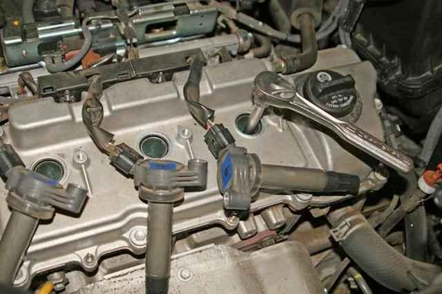 Сколько свечей зажигания в автомобиле? И их устройство