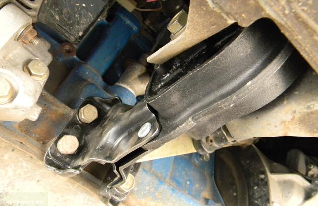 Все о замене подушки двигателя на ваз 2114. Действуем по схеме