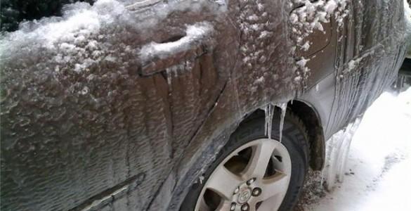 Как разморозить замок двери автомобиля в мороз? Проблема на 5 минут