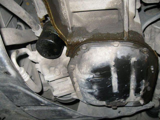 Почему выдавливает и течет масло из под масляного фильтра? Что делать в этой ситуации