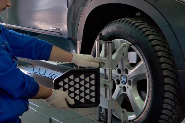 Почему машину тянет влево или вправо после замены резины? 6 причин