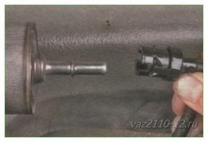 Замена топливного фильтра на ваз 2110 и 2112. Читай и учись