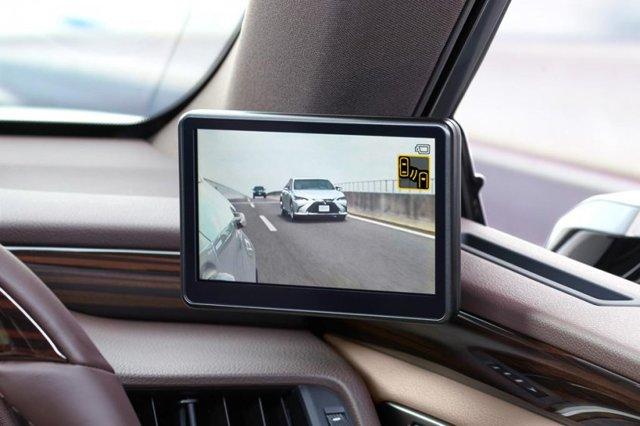 Устанавливаем камеру вместо зеркала заднего вида в свой автомобиль