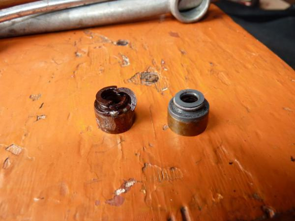 Как заменить и снять маслосъемные колпачки не снимая головки? Наш мануал