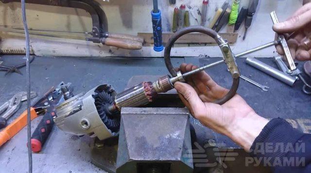 Как сделать съемник пружин амортизаторов своими руками? Все возможно