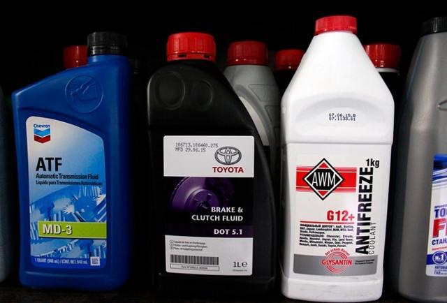 Сколько нужно тормозной жидкости в системе? Поддерживаем работу своего авто
