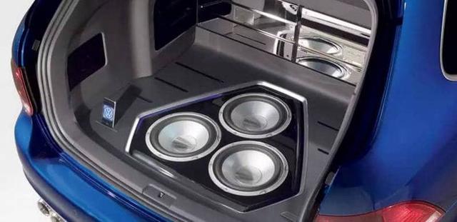 Как подключить активный сабвуфер в машине? Когда нужен бас