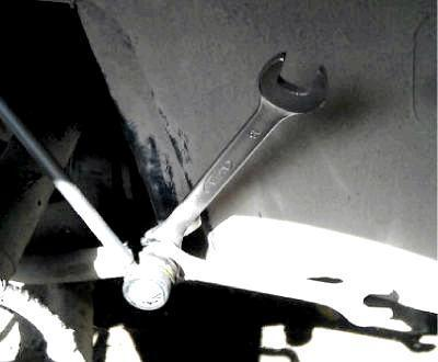 Замена стоек стабилизатора на skoda octavia a5. Бюджетно и доступно