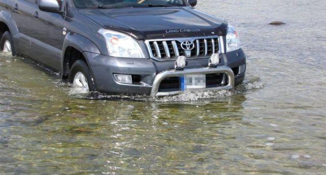 Почему машина не заводится после дождя? Поиск причины