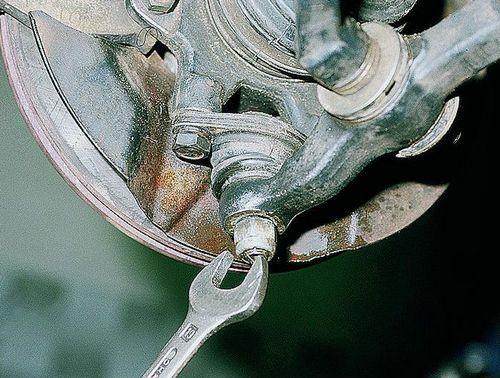 Замена шаровой опоры на ваз 2110 и 2112. Элементарный ремонт