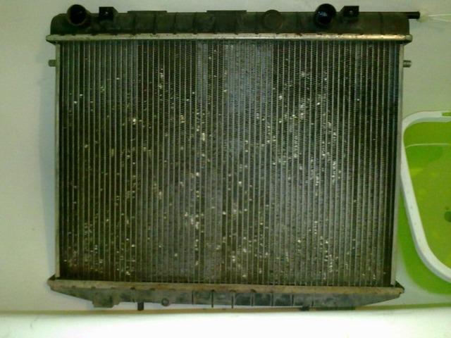 Что заливать в радиатор автомобиля? Тосол или антифриз? Рассматриваем все варианты