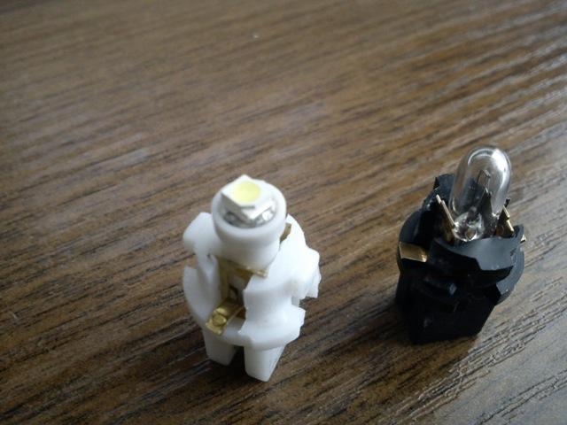 Замена лампочек в панели приборов лада калина и приора. Когда все опять сломалось
