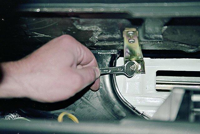 Как снять панель приборов на ваз 2107? Это пригодится рано или поздно