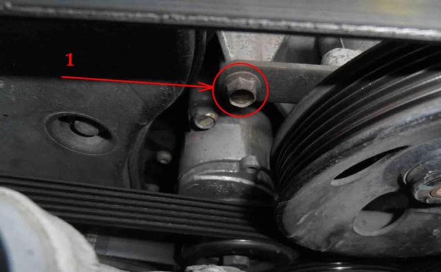 Как подтянуть ремень генератора? Простые действия