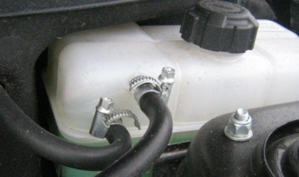 Тонкости замены охлаждающей жидкости на приоре