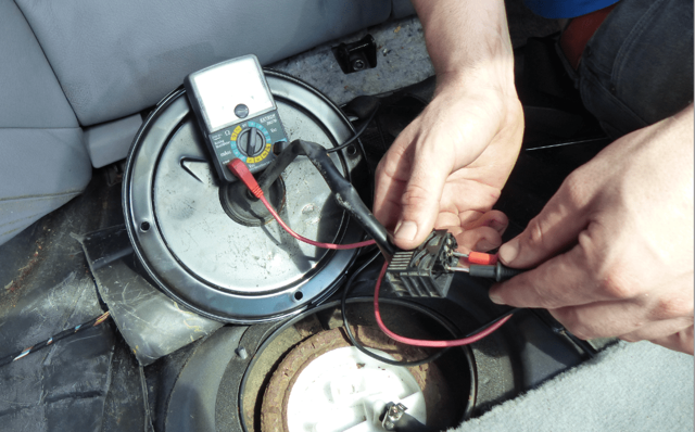 Как проверить давление бензонасоса? Применяем воздушный манометр