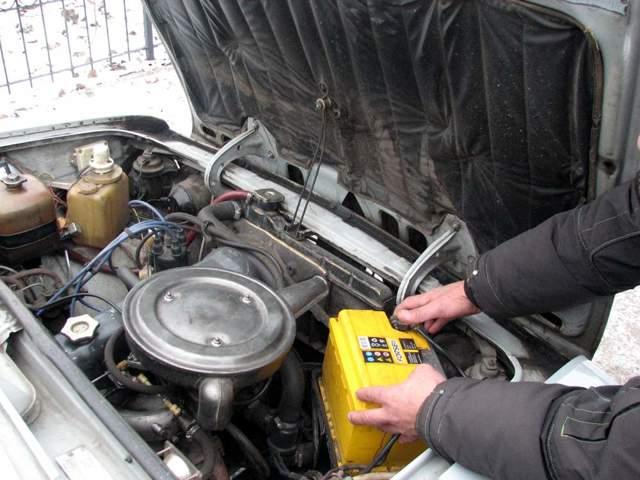 Какой аккумулятор лучше для автомобиля ваз 2107? Боевая классика