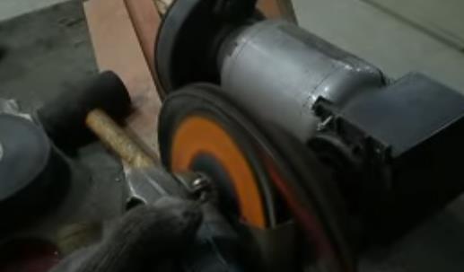 Проточка тормозных дисков без снятия своими руками. Время учиться