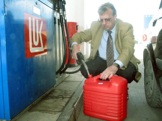 Можно ли заливать 98 бензин вместо 95? Обзор со всех сторон