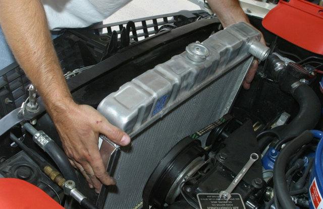 Как удалить воздушную пробку из системы охлаждения? Простые способы