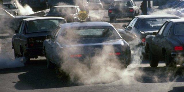 Причины, почему идет белый дым из выхлопной трубы