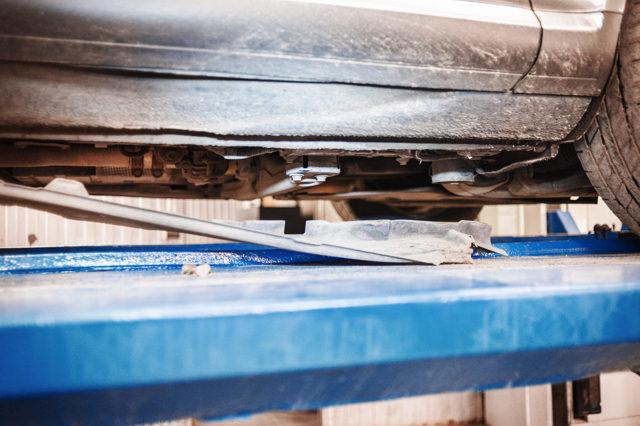 Как сделать ремонт пневмоподвески на volkswagen touareg? Все расписано в статье